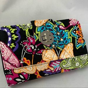 Handbags - New quilted double section wallet w/ twist lock
